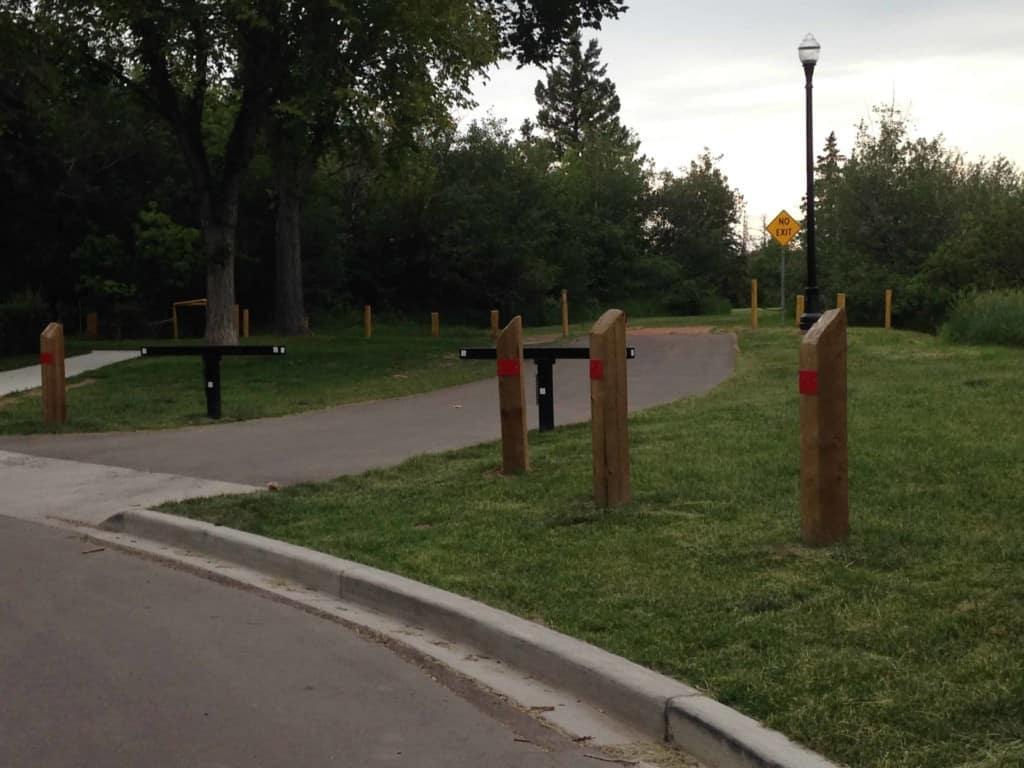 Kinnaird Park past no exit sign